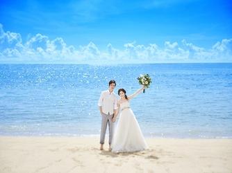 セントレジェンダ OKINAWA(CENTLEGENDA OKINAWA):会場近くのビーチは白と青のコントラストが美しく、ビーチ挙式やビーチフォトも可能