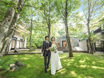 旧軽井沢ホテル:緑に包まれた上質な空気感が漂う軽井沢の自然。ナチュラルな雰囲気の中にも気品が溢れる。