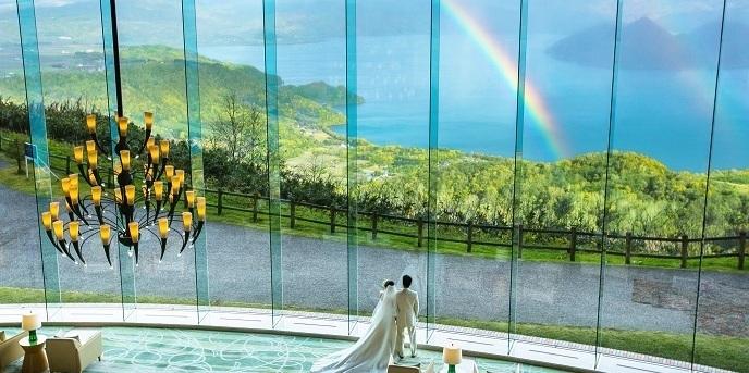 ザ・ウィンザーホテル洞爺リゾート&スパ:【一期一会の自然アート】が二人とゲストを非日常の世界で誘う。シーズンによってはとても高い確率で一面の雲海を望むことができる!