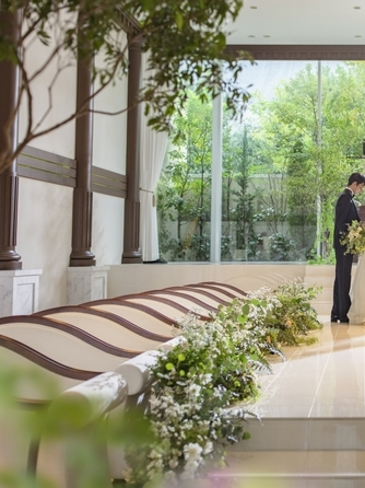 THE SEASONS LANDMARK KOBE KITANO 緑溢れる貸切邸宅で二人らしいウエディング画像1-1