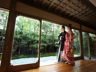 萬屋本店-KAMAKURA HASE est1806- 洋装姿・和装姿どちらも映えるしつらい画像2-2