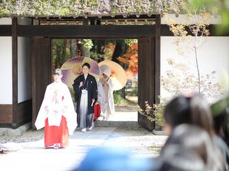 駒ヶ根高原 古民家ウェディング 「音の葉」 神殿(外神前式)画像1-2
