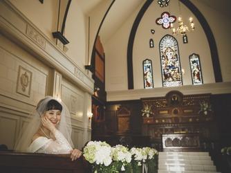 VICTORIA GROVE 小さな森の結婚式×教会での本格挙式画像2-3