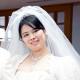 花嫁ハンカチ以外に、白のタオルハンカチも持っていきました。挙式中は控室に置いておき、披露宴では高砂に置くポーチに入れて、すぐ取り出せるように。結局、メインで使っていたのはタオルハンカチの方でした。(住