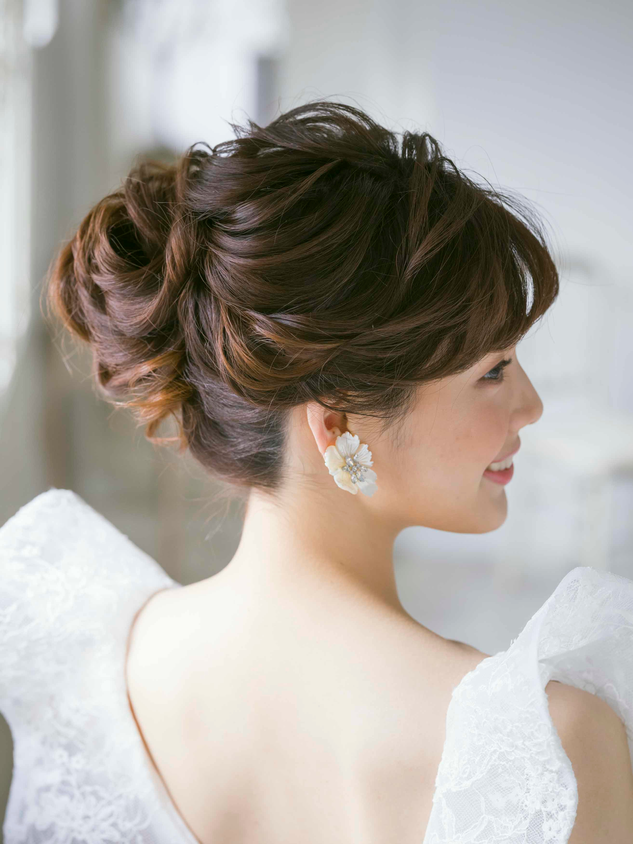 ウエディングドレス 髪型 アップシニヨン ブライダルヘア