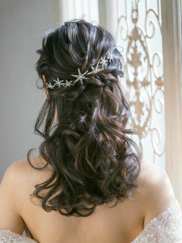 ウエディングドレス 髪型 ハーフアップ