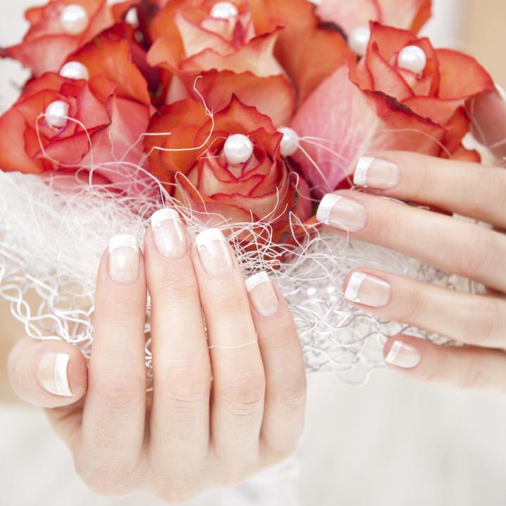 日常使いもOK! 結婚指輪を引き立てるネ