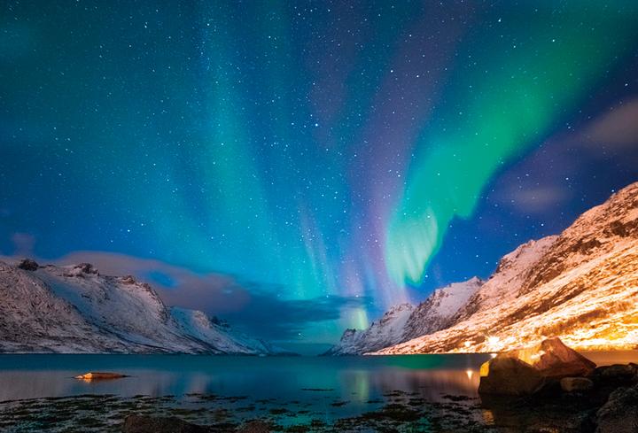 北極圏でのオーロラ観賞(カナダ)