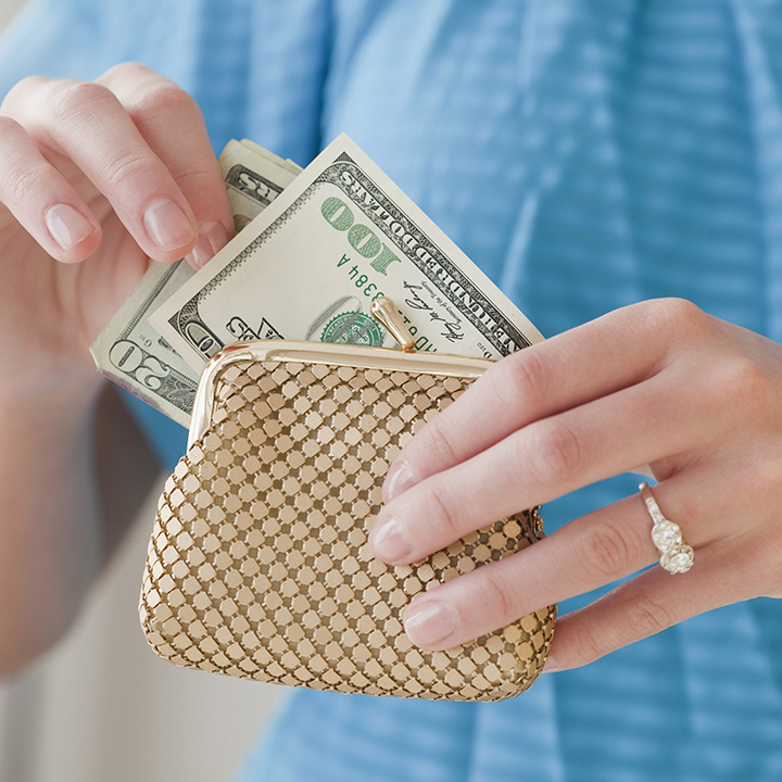 結婚したら、ふたりの財布は一つにする?