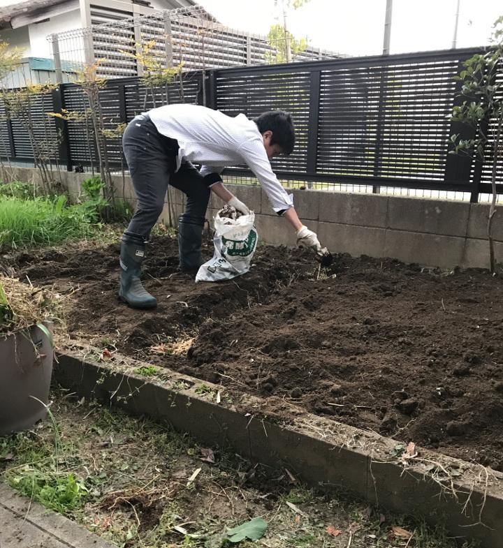 341900さん。彼に手伝ってもらって実家の家庭菜園を整備