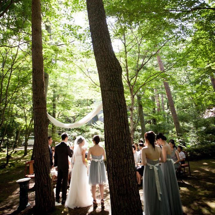 森の中の人前式シーン