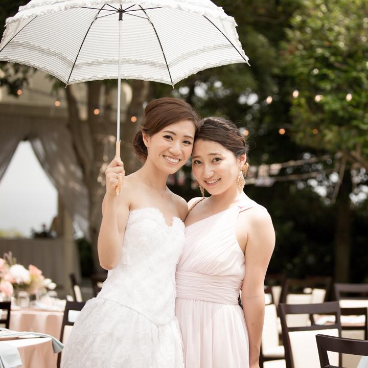 花嫁と妹さんのツーショット