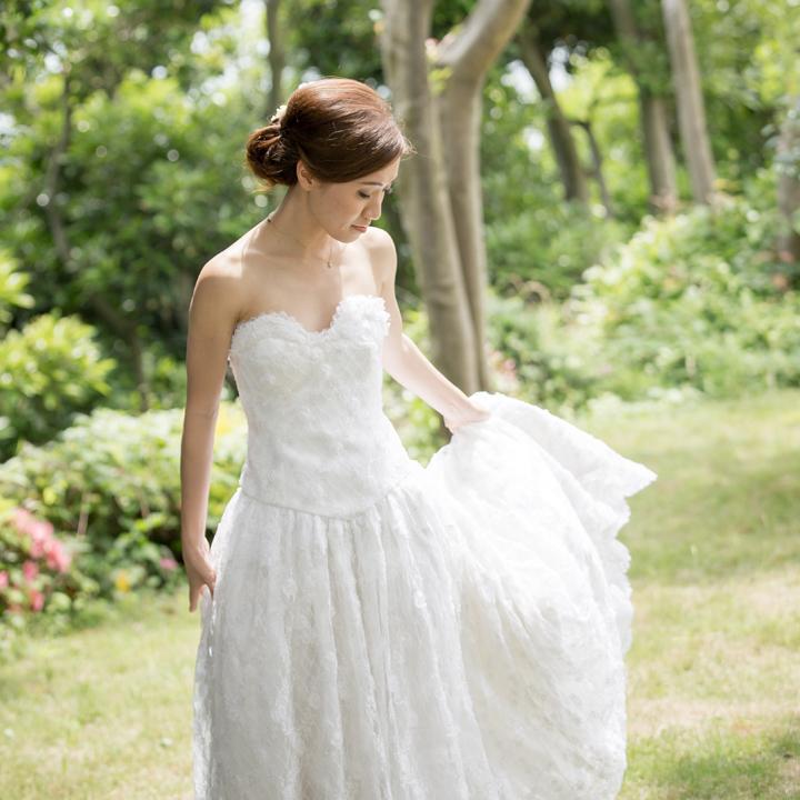 リメイクした母のドレスを着る花嫁