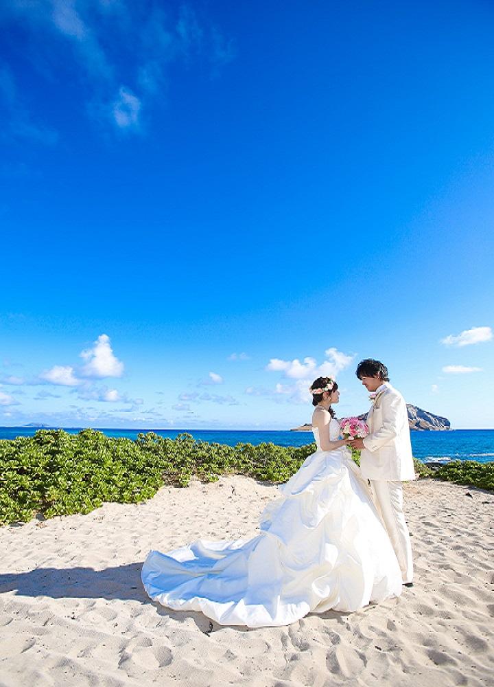 ビーチでの花嫁写真