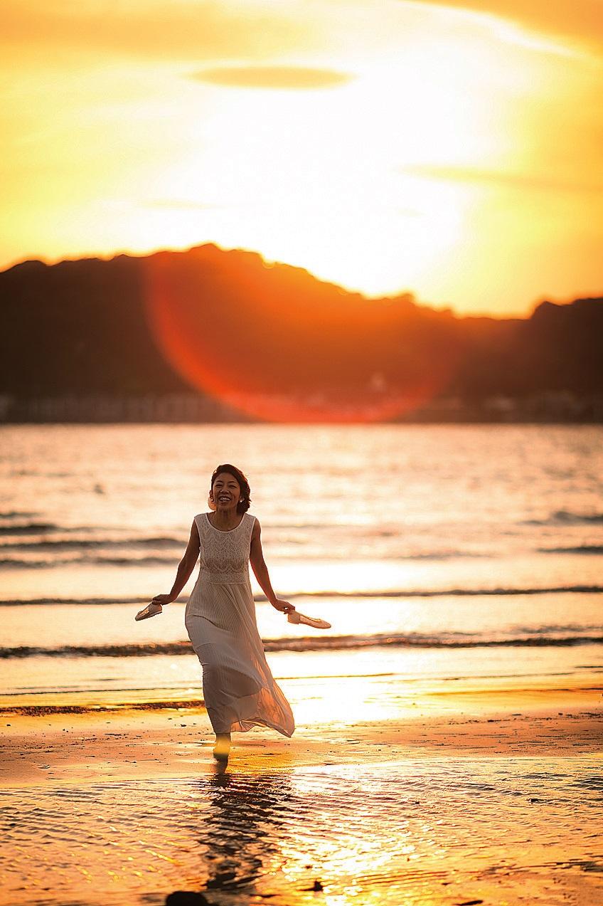 [鎌倉] 美しい夕陽に溶け込む花嫁