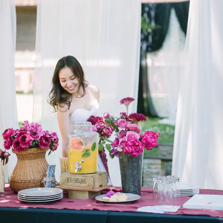 ブーケとおそろいの花を飾ったウエルカムコーナー