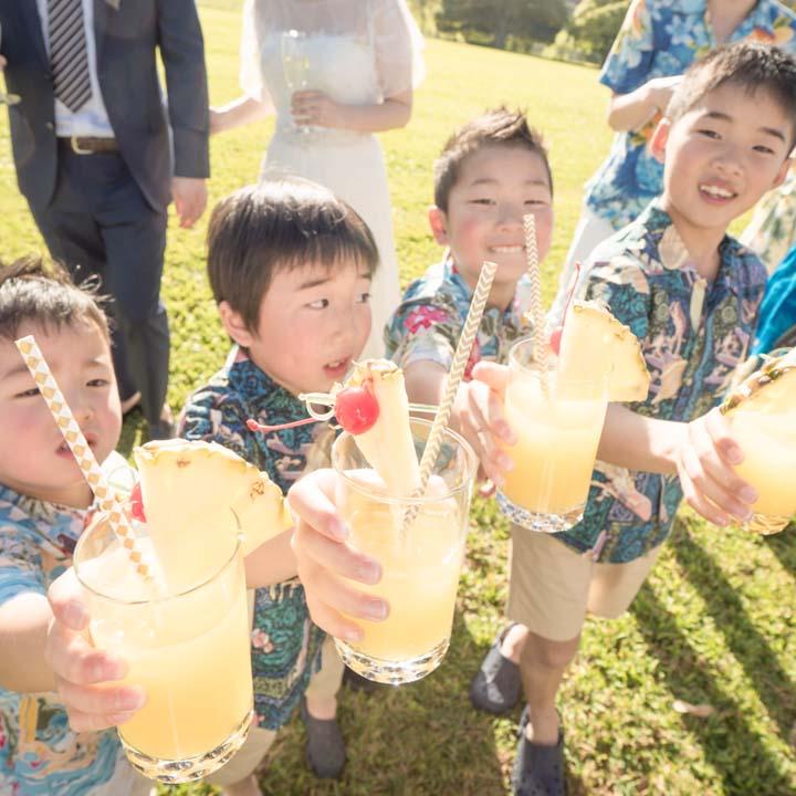 子どもたちもジュースで乾杯!
