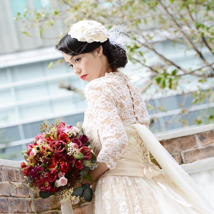 ボレロをまとった花嫁さん