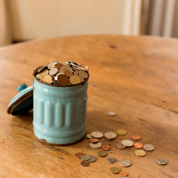 缶に入ったコイン
