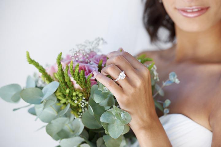 欲しい婚約指輪が予算オーバー……おねだり
