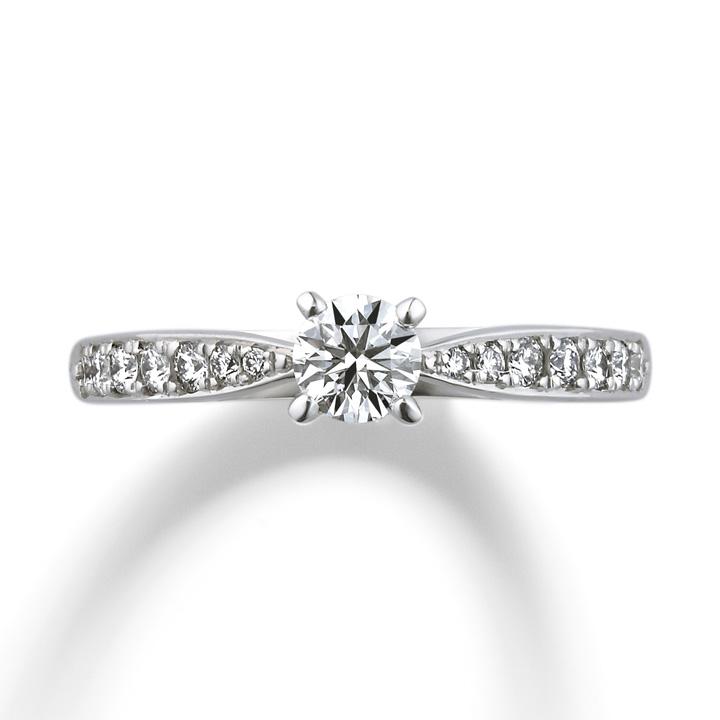 アームにメレダイヤをあしらったエレガントな婚約指輪