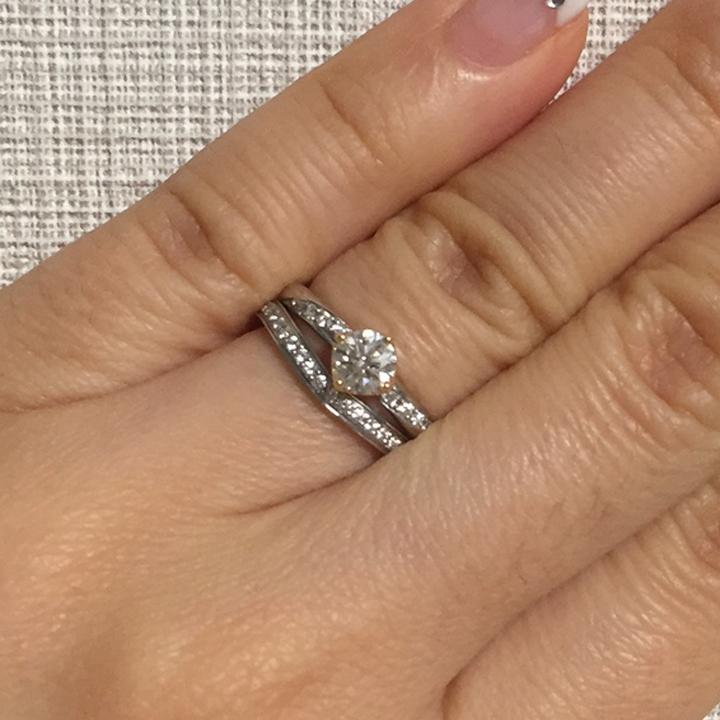 メレダイヤ入りの婚約指輪&メレダイヤ入りの結婚指輪
