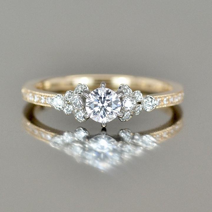 婚約指輪 写真