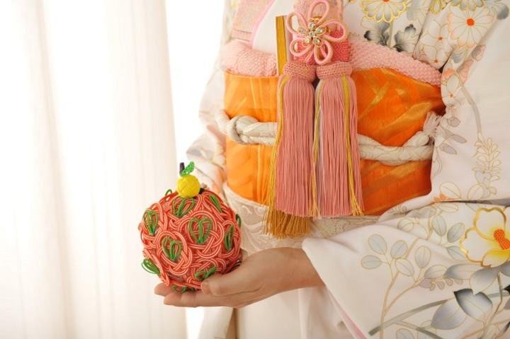 花嫁の手元