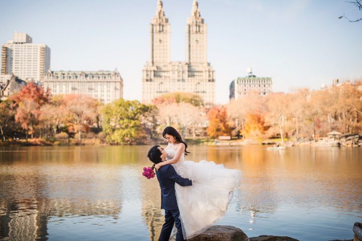セントラルパーク/ビルと自然が融合するN.Y.らしいショット。映画『オータム・イン・ニューヨーク』の世界のようでテンションUP!
