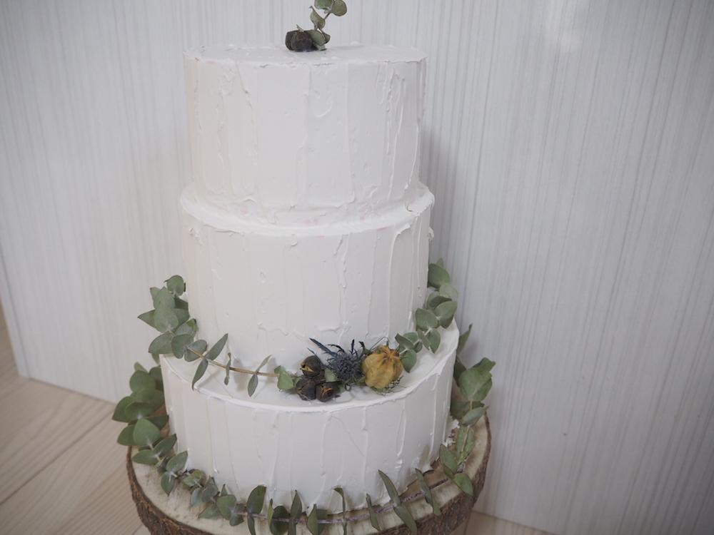 __n.weddingさんのフェイクケーキ02