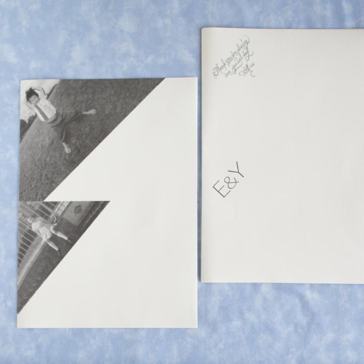 上半分の左角&下半分の左角に印刷を施したA4用紙