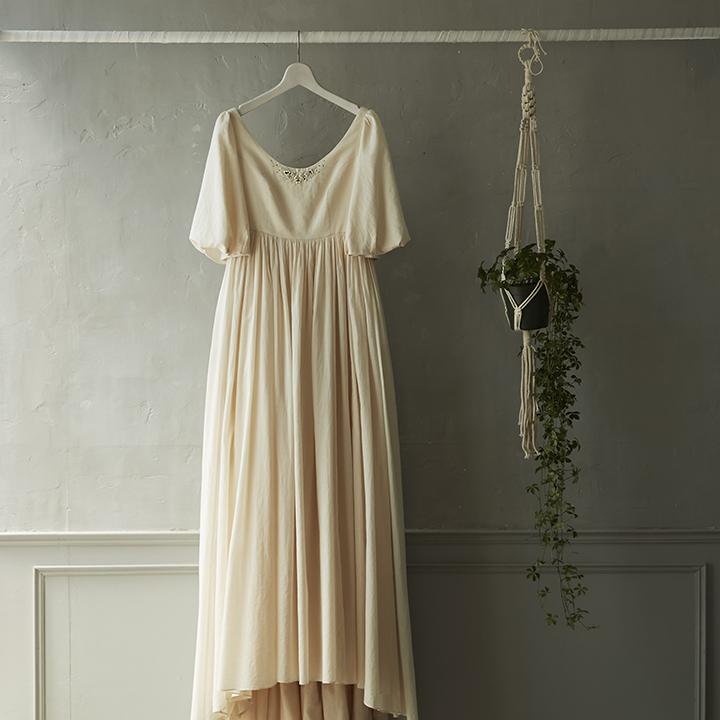 大人フェミニンなクラシカルドレス