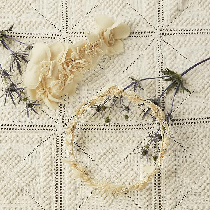 コサージュと花冠