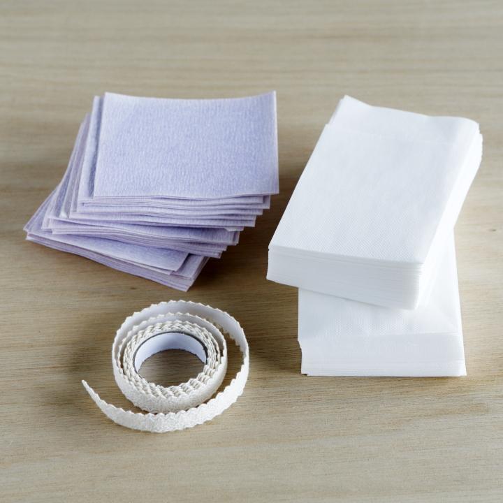 好みの色のペーパーナプキン、同系色のファブリックテープ