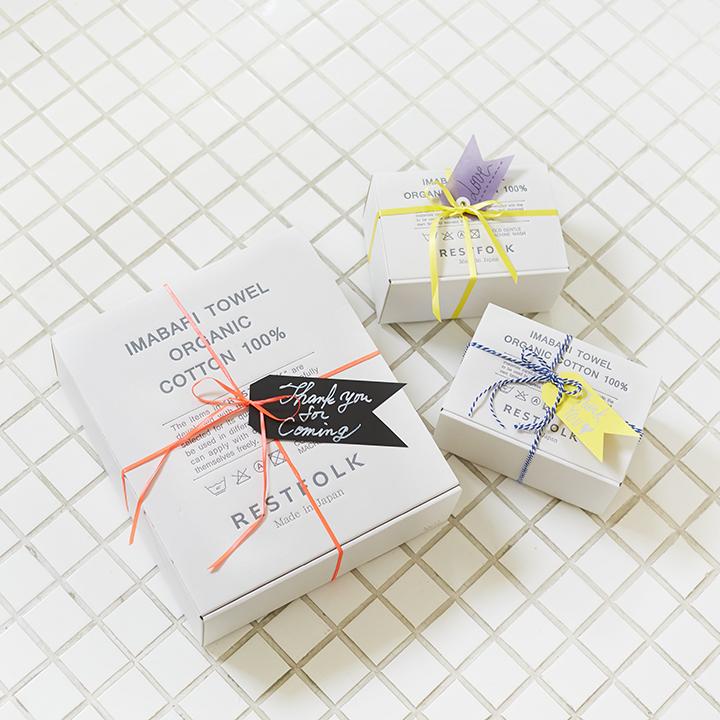 ギフト用のボックスとラッピングアイデア