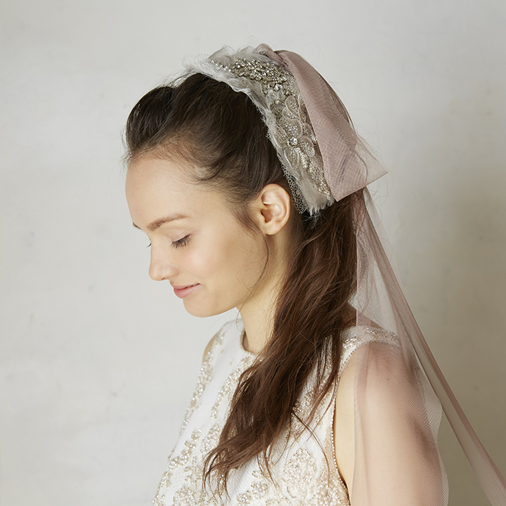 モチーフ付きチュールのヘッドドレス