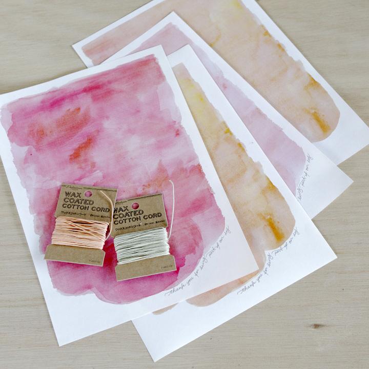 封筒のベースを印刷する紙、好みのひも
