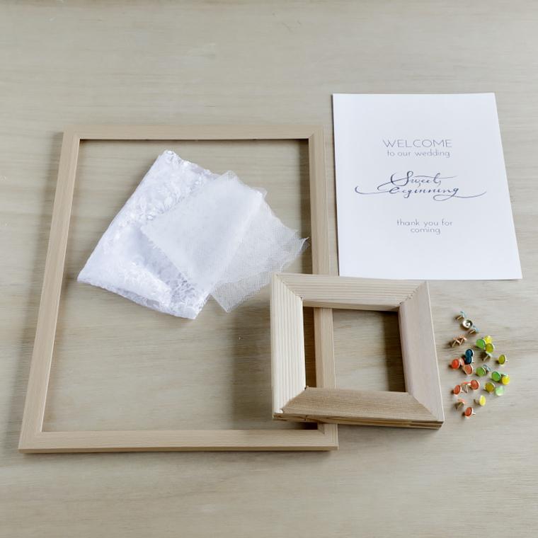 木枠の額縁、画びょう、チュールレース、A4用紙