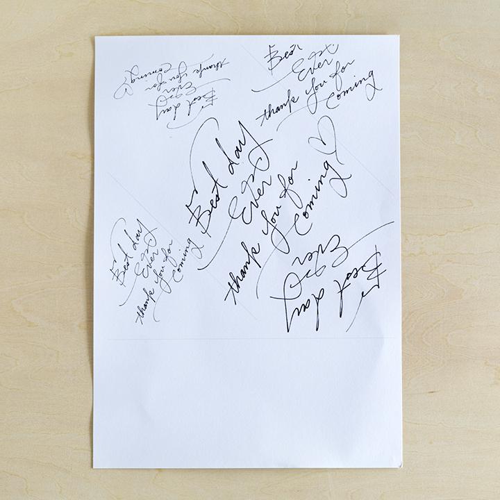 ダウンロードしたデザインを印刷した紙