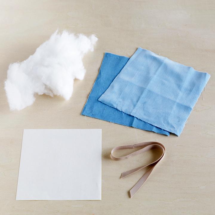ベロア生地、リボン、手芸綿、折り紙