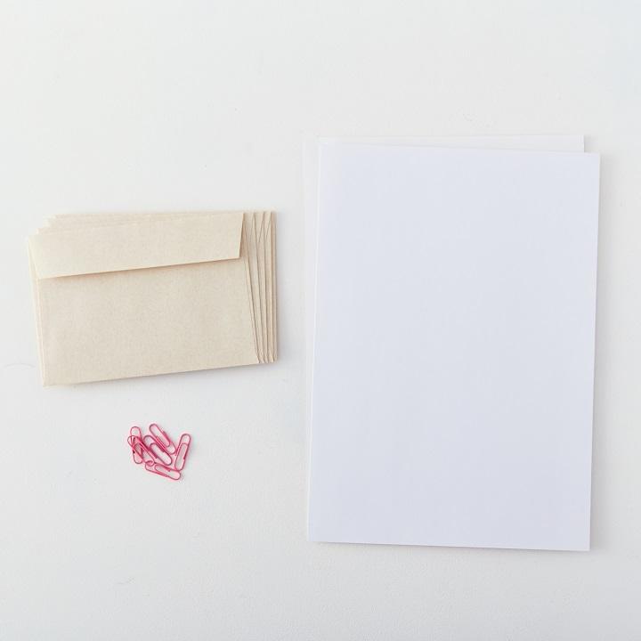 封筒、フォトマットペーパー、カラークリップ