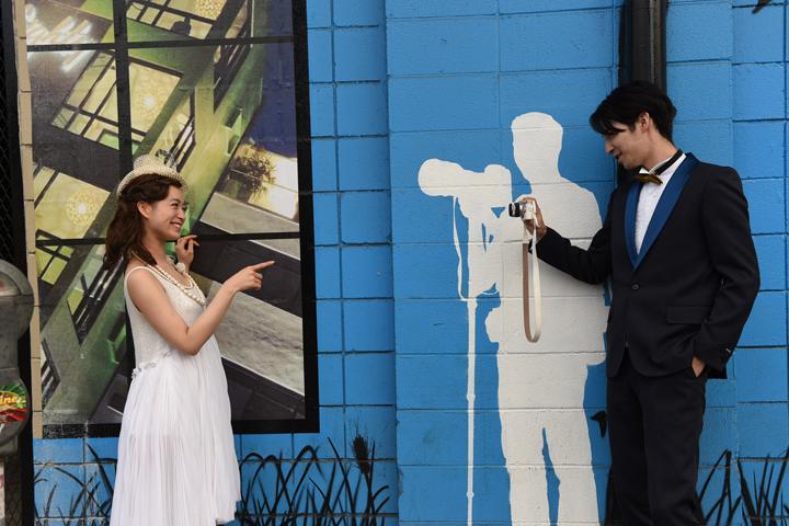 壁画がアーティスティックなカカアコエリア