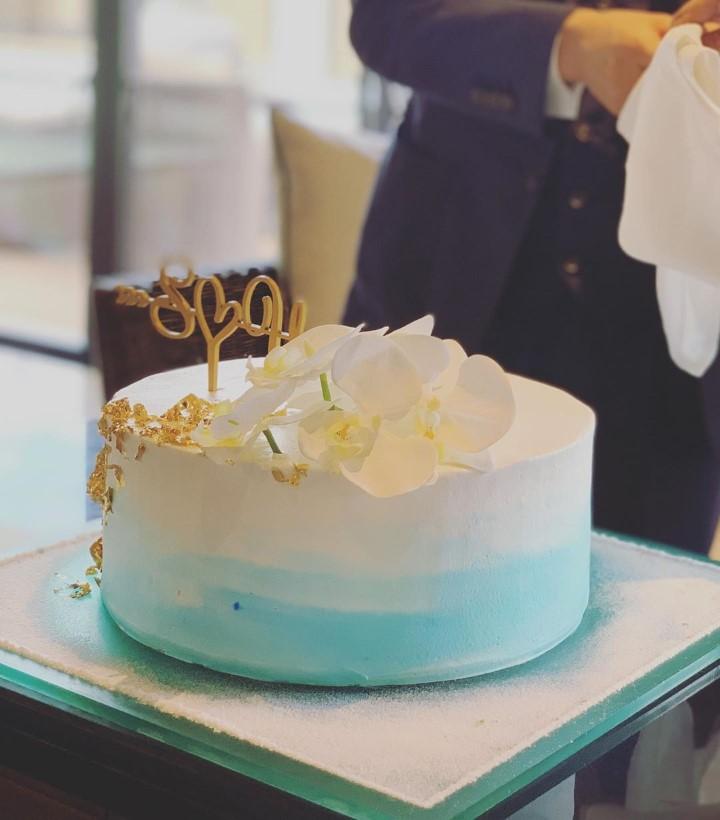 ブルーグラデ映え一段ケーキ