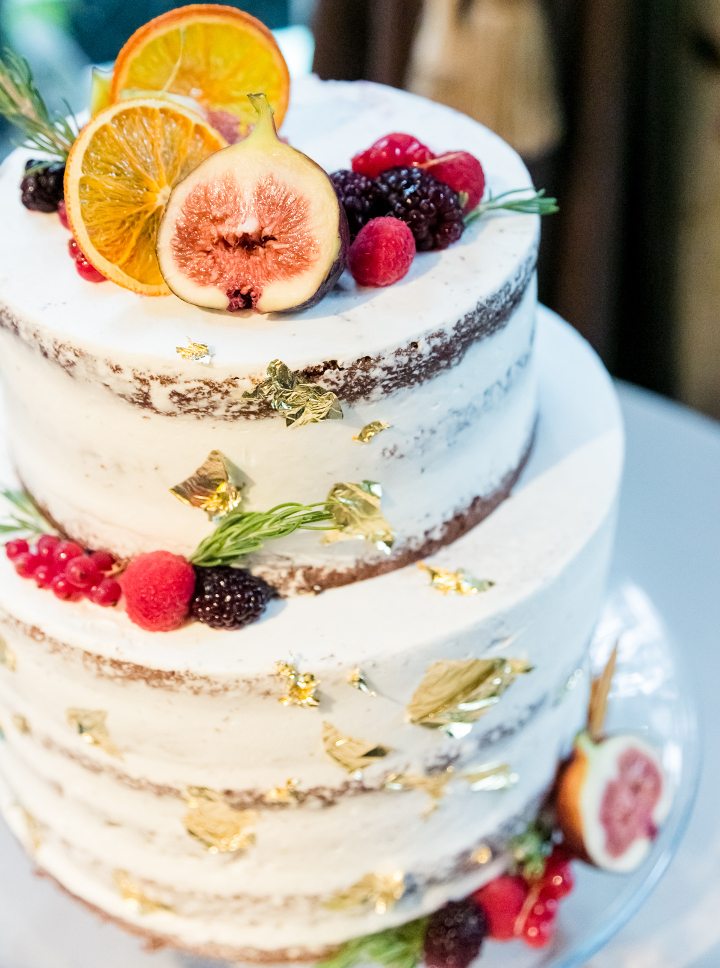 シンプル可愛くゴージャスなネイキッドケーキ!