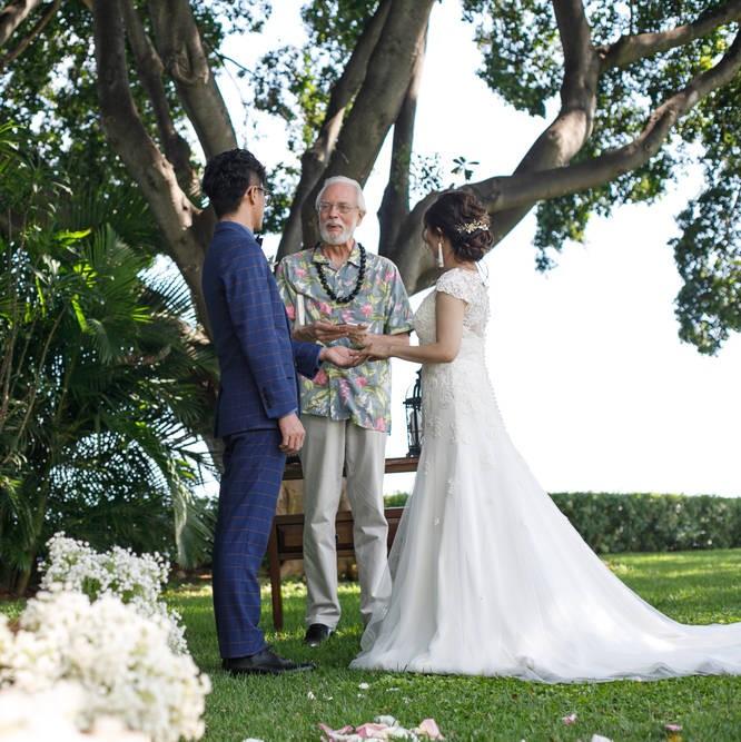 ハワイでの結婚式の模様です
