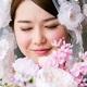 目を閉じる花嫁