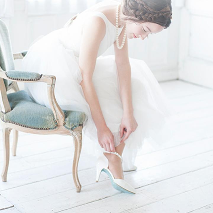 シューズを履く花嫁